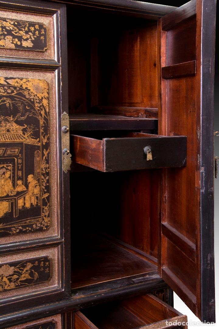 Antigüedades: ARMARIO ORIENTAL EN MADERA TALLADA Y LACADA - Foto 3 - 153614022