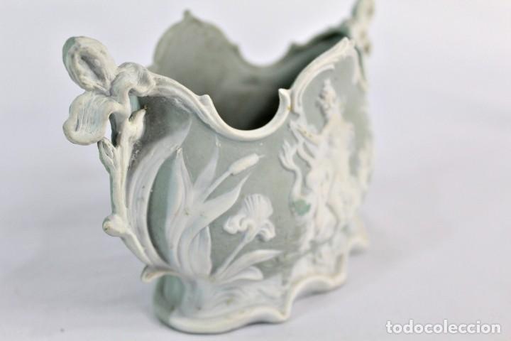 Antigüedades: Violetero en porcelana biscuit inglesa. S XIX. - Foto 5 - 153641786