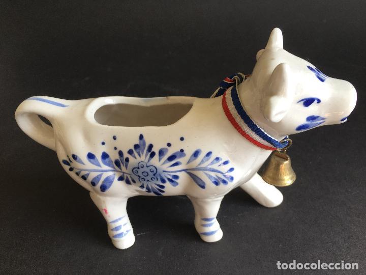 ANTIGUA VACA DE PORCELANA HOLANDESA DELFT, HECHA Y FABRICADA A MANO (Antigüedades - Porcelana y Cerámica - Holandesa - Delft)