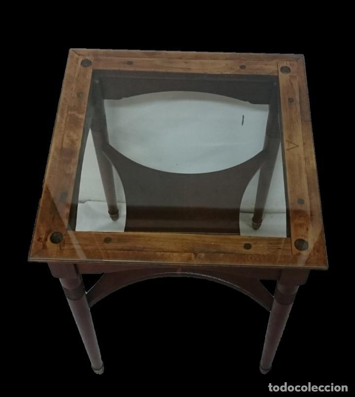 Antigüedades: Antigua mesa auxiliar de caoba cubana de los certales del Casino Mercantil de Zaragoza. 62x46x46 - Foto 2 - 153665514