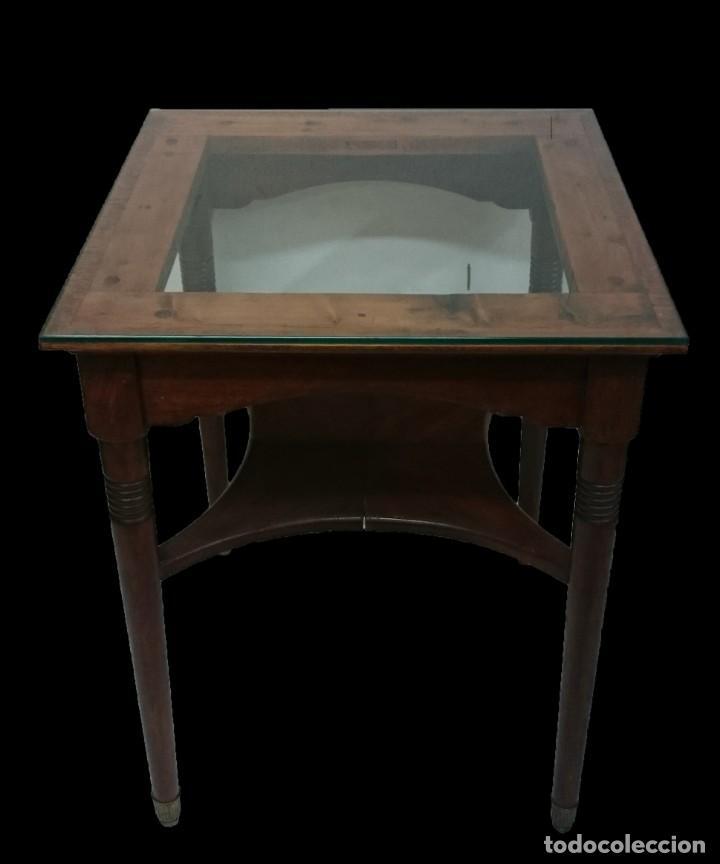Antigüedades: Antigua mesa auxiliar de caoba cubana de los certales del Casino Mercantil de Zaragoza. 62x46x46 - Foto 5 - 153665514
