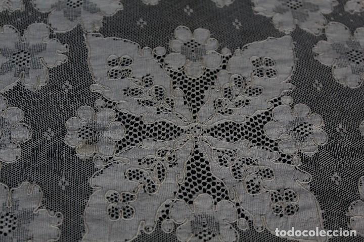 Antigüedades: 254 tapete o mantel de encaje de Alençon antiguo color marfil - Foto 5 - 153680622