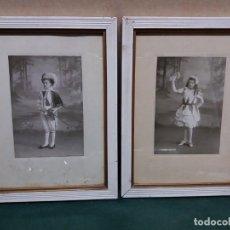 Antigüedades: PAREJA PORTAFOTOS ANTIGUOS CON FOTOS ORIGINALES S. XIX. Lote 153729486