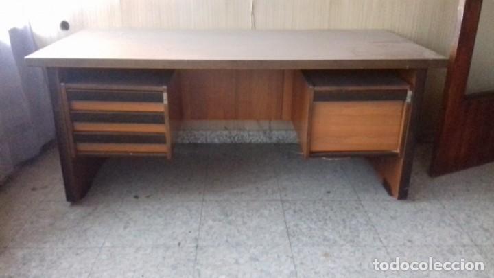 MESA DE DESPACHO AÑOS 70/80 (Antigüedades - Muebles Antiguos - Mesas de Despacho Antiguos)