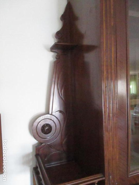 Antigüedades: Antigua Vitrina Alfonsina - Madera de Nogal - Mármol Gris - Bufete, Espejo y Vitrina -Finales S. XIX - Foto 10 - 153826146