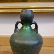 Antigüedades: JARRÓN DE CRISTAL PRENSADO DEL SIGLO XIX. Lote 153862238