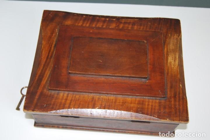 Antigüedades: PRECIOSA CAJA DE MADERA CON ESPEJO - TOCADOR - JOYERO - COSTURERO - ART DÉCO - AÑOS 20 - Foto 13 - 153883970