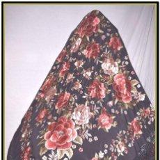 Antigüedades: MANTON ROSETONES 140X140 TELA MAS ENREJADO Y FLECO. Lote 153890102