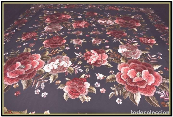 Antigüedades: manton rosetones 140x140 tela mas enrejado y fleco - Foto 2 - 153890102