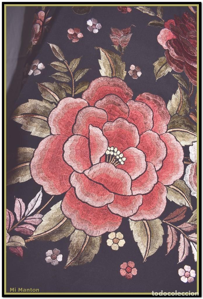 Antigüedades: manton rosetones 140x140 tela mas enrejado y fleco - Foto 3 - 153890102