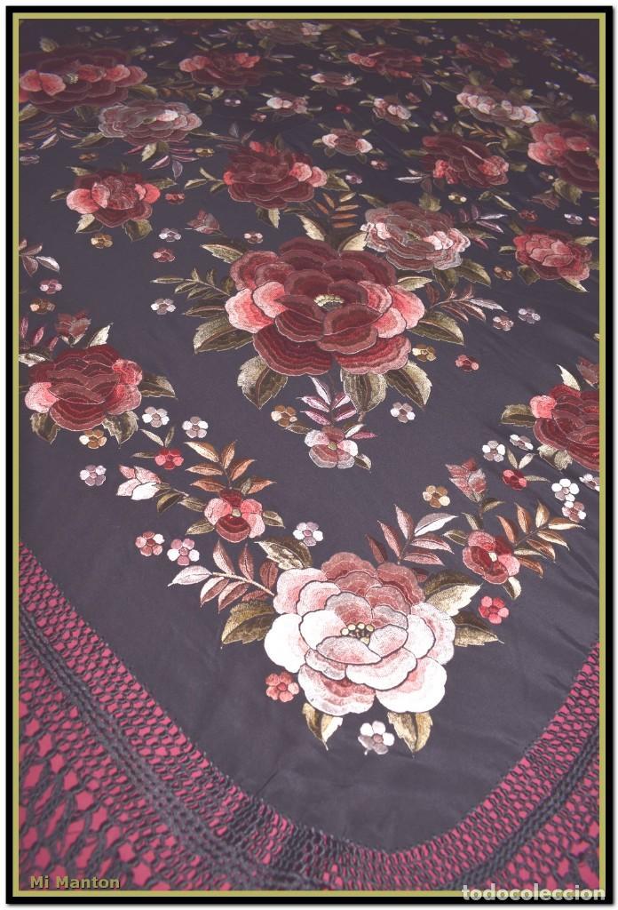 Antigüedades: manton rosetones 140x140 tela mas enrejado y fleco - Foto 4 - 153890102