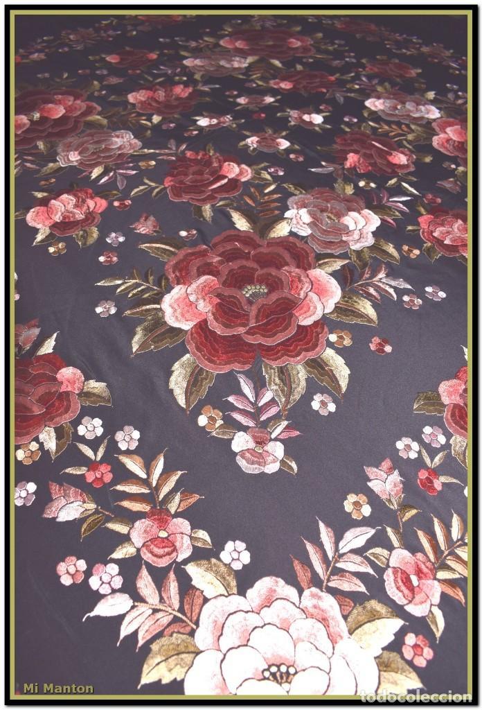 Antigüedades: manton rosetones 140x140 tela mas enrejado y fleco - Foto 6 - 153890102