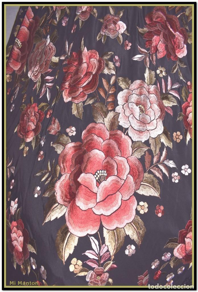 Antigüedades: manton rosetones 140x140 tela mas enrejado y fleco - Foto 7 - 153890102