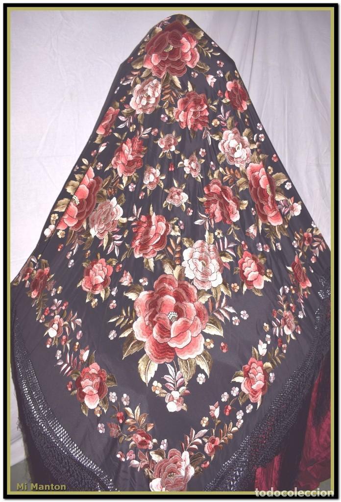 Antigüedades: manton rosetones 140x140 tela mas enrejado y fleco - Foto 8 - 153890102