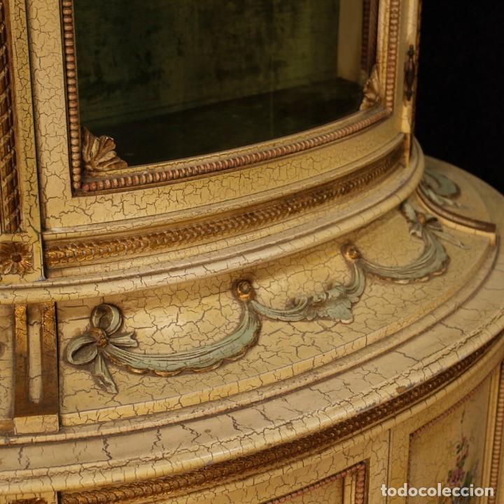 Antigüedades: Vitrina italiana lacada y pintada en estilo Luis XVI. - Foto 4 - 153917558
