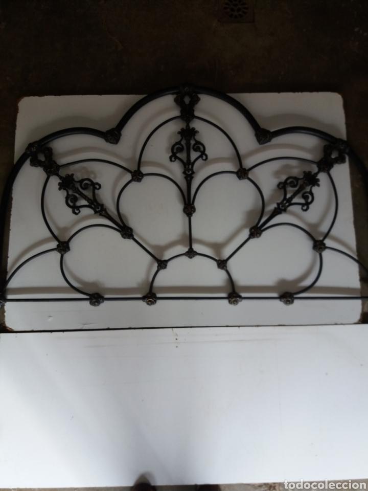 CABEZAL DE CAMA DE HIERRO (Antigüedades - Muebles Antiguos - Camas Antiguas)