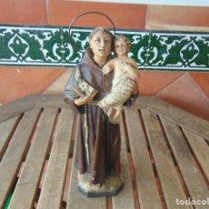 Antigüedades: FIGURA EN ESTUCO O PASTA DE MADERA SELLADA OLOT OJOS DE CRISTAL SAN ANTONIO CON NIÑO RESTAURAR. Lote 153942874