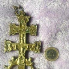 Antigüedades: CRUZ BRONCE CARAVACA XIX. Lote 153946190