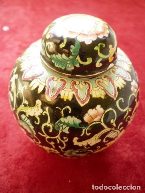 Antigüedades: TIBOR EN BRONCE CLOISONNE, INTERIOR ESMALTADO AL FUEGO EN BLANCO - Foto 4 - 153962450