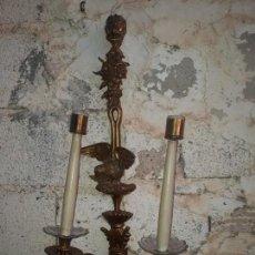Antigüedades: ANTIGUO CANDELABRO DE PARED. Lote 154036314