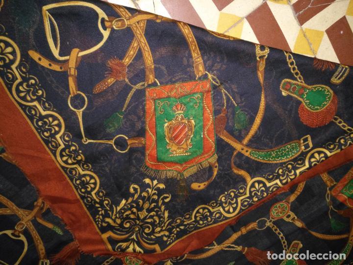 Antigüedades: PAÑUELO PICO CHAL TRAJE REGIONAL MANTON MODA COMPLEMENTO 124 CM - Foto 4 - 154040250