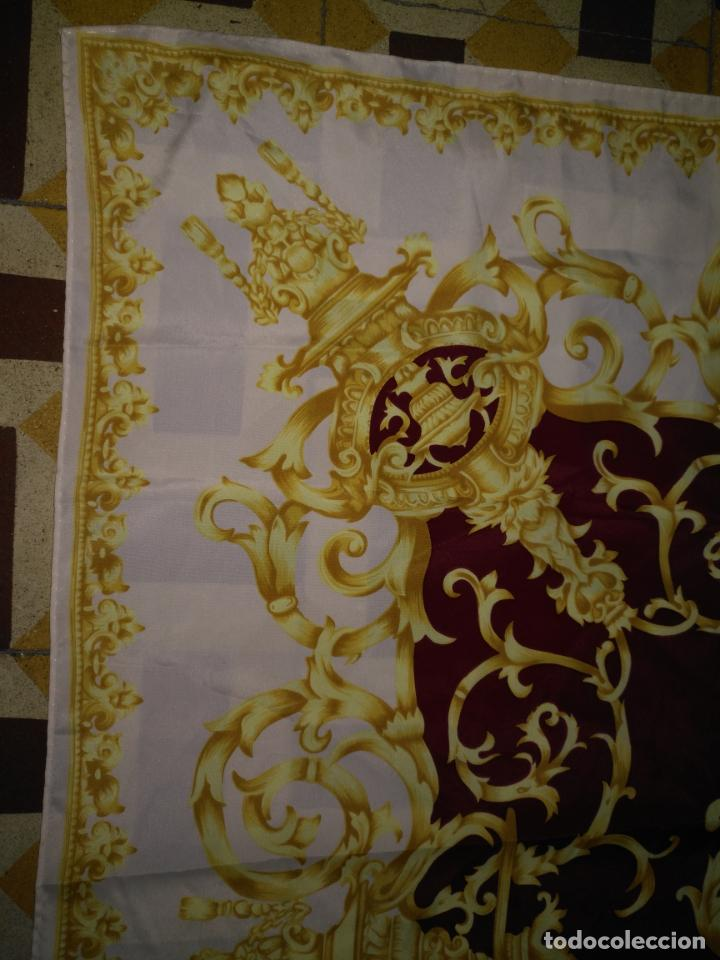Antigüedades: PAÑUELO PICO CHAL TRAJE REGIONAL MANTON MODA COMPLEMENTO CABALLOS 87 CM APROXIMADOS - Foto 2 - 154041698