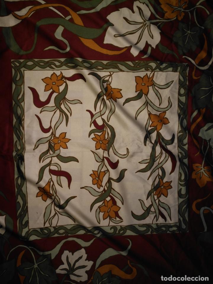 Antigüedades: PAÑUELO PICO CHAL TRAJE REGIONAL MANTON MODA COMPLEMENTO 88 CM APROXIMADOS - Foto 5 - 154042210