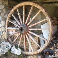 Antigüedades: RUEDA DE CARRO GRANDE. Lote 154094217