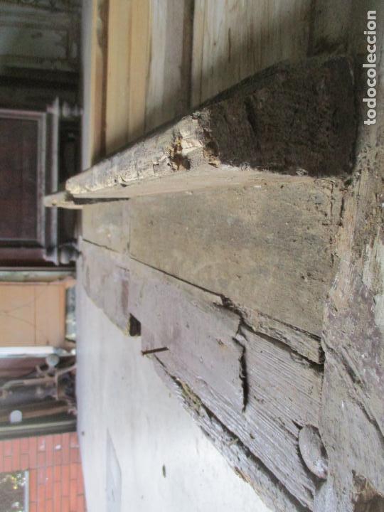 Antigüedades: Gran Portón Antiguo - Puerta - Madera Pino - 4 Hojas - Herrajes, Cerradura y Picaporte - S. XIX - Foto 12 - 154145162
