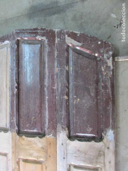 Antigüedades: Gran Portón Antiguo - Puerta - Madera Pino - 4 Hojas - Herrajes, Cerradura y Picaporte - S. XIX - Foto 13 - 154145162