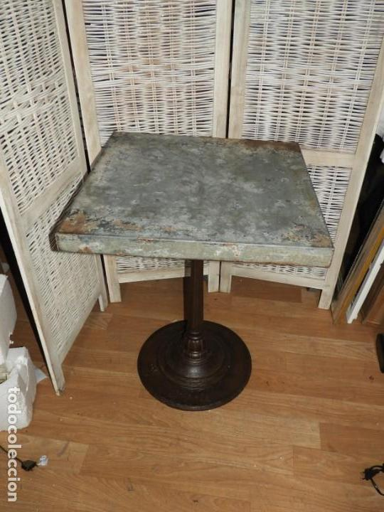 Antigüedades: MESA VELADOR VINTAGE BISTRO TIPO BAR PATA HIERRO Y METAL - Foto 3 - 154150074