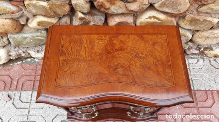 Antigüedades: Pareja de mesillas de noche antiguas estilo isabelino. 2 Dos mesitas de dormitorio estilo Luis XV. - Foto 10 - 154151110