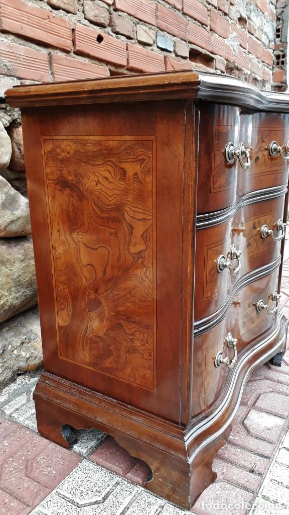 Antigüedades: Pareja de mesillas de noche antiguas estilo isabelino. 2 Dos mesitas de dormitorio estilo Luis XV. - Foto 11 - 154151110