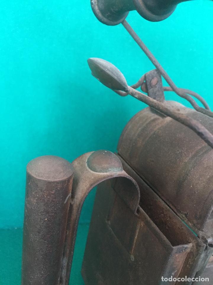 Antigüedades: Antiguo farol de hierro 26x16x11cm - Foto 12 - 154156672