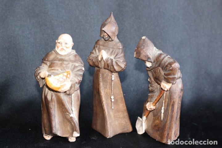 Antigüedades: DE COLECCIÓN TRES ANTIGUOS FRAILES DE ALGORA NUMERADOS Y FIRMADOS EN BASE - Foto 10 - 154164822
