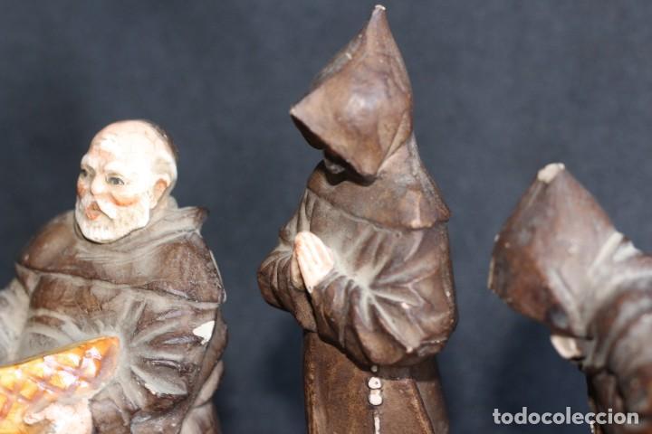 Antigüedades: DE COLECCIÓN TRES ANTIGUOS FRAILES DE ALGORA NUMERADOS Y FIRMADOS EN BASE - Foto 12 - 154164822