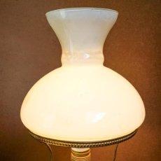 Antigüedades: LAMPARA DE GAS DE SOBREMESA, ELECTRIFICADA DE NUEVO. Lote 154165742