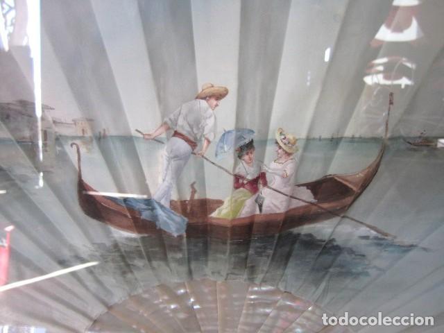 Antigüedades: Abanico ant, varillas de nacar y pais de seda pintada con escena veneciana , enmarcacion de calidad - Foto 3 - 154167966