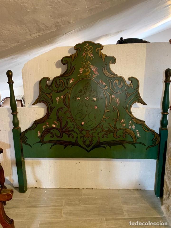 CABECERO DE 164 CM MADERA MACIZA DECORADO A MANO (Antigüedades - Muebles Antiguos - Camas Antiguas)
