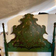 Antigüedades: CABECERO DE 164 CM MADERA MACIZA DECORADO A MANO. Lote 154218782