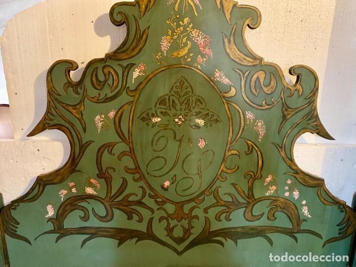Antigüedades: CABECERO DE 164 CM MADERA MACIZA DECORADO A MANO - Foto 4 - 154218782