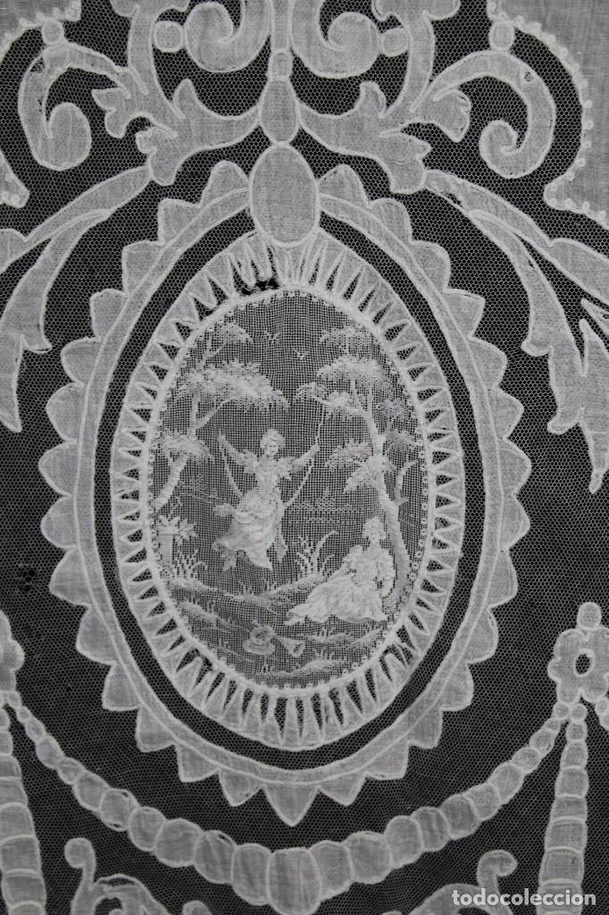 Antigüedades: t4 Cortina modernista en batista, con bordados manuales de malla, y aplicaciones. Fines s XIX - Foto 3 - 154247130