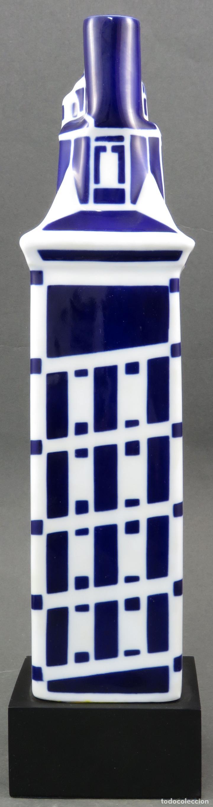 Antigüedades: Botella Torre de Hercules en cerámica Castro Sargadelos 1997 con base de madera - Foto 3 - 154268918