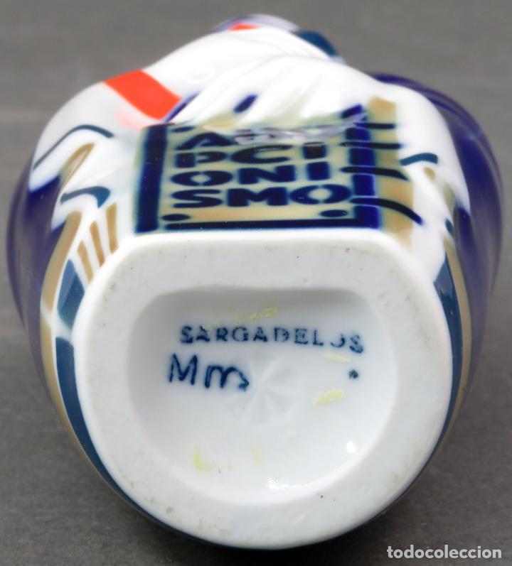 Antigüedades: Botella figura doctrina religiosa Adopcionismo en cerámica Castro Sargadelos siglo XX - Foto 6 - 154271510