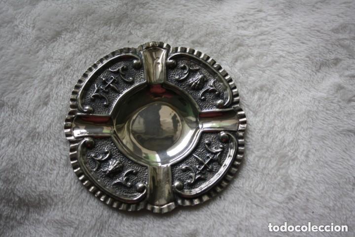 CENICERO EN PLATA DE LEY 925 CON CONTRASTES TRABAJO DE ORFEBRERÍA (Antigüedades - Platería - Plata de Ley Antigua)