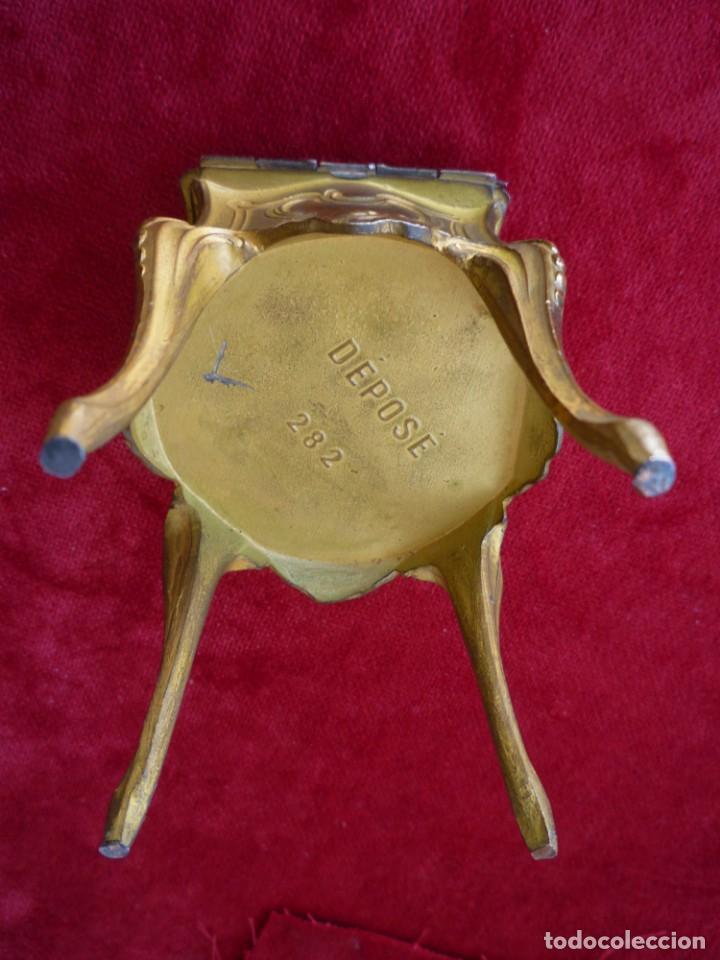 Antigüedades: JOYERO INTERIOR CAPITONÉ DE CALAMINA DORADO SELLADO Y NUMERADO CIRCA 1920 PERFECTO - Foto 7 - 154286038