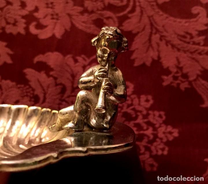 Antigüedades: ANTIGUA CONCHA BAUTISMAL DE ALPACA CON QUERUBÍN. - Foto 11 - 154301850