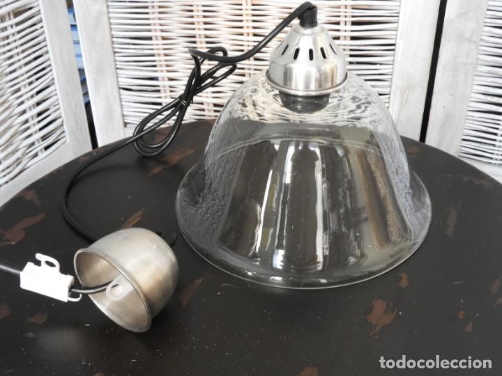 Antigüedades: LAMPARA DE CRISTAL O FOCO DE TECHO CON FORMA ACAMPANADA IDEAL PARA COCINA - Foto 6 - 154314910