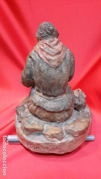Antigüedades: INTERESANTE ESCULTURA EN TERRACOTA. FIRMA DEL AUTOR. - Foto 10 - 154345914