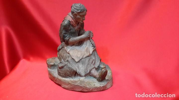 Antigüedades: INTERESANTE ESCULTURA EN TERRACOTA. FIRMA DEL AUTOR. - Foto 18 - 154345914